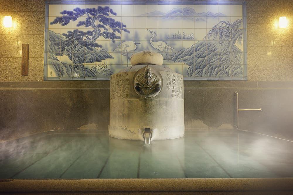 3,000年の歴史を誇る道後温泉。その秘密に迫る!