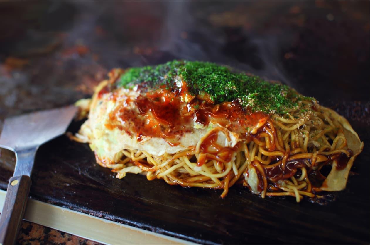 松山に来たら食べてほしい!港町生まれ、ダシのきいた松山ソウルフード「三津浜焼き」