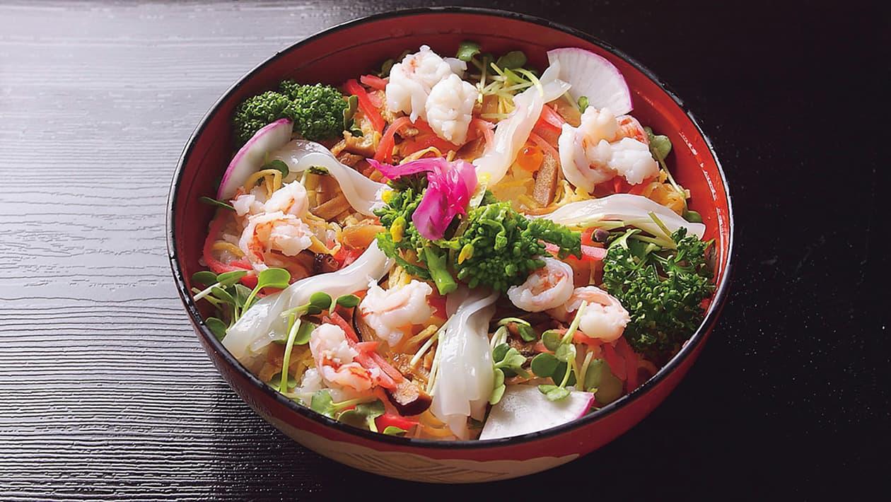 Facebookに「夏目漱石も愛した松山鮨!」の記事を投稿しました